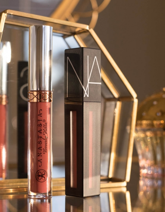NARS Powermatte Lip Pigment vs ANASTASIA BEVERLY HILLS Liquid Lipstick: Review and Comparison