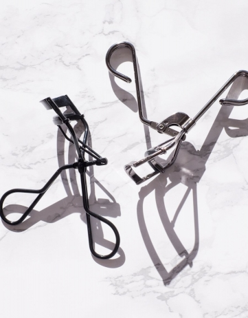 Best Eyelash Curler for Almond and Deep-Set Eyes
