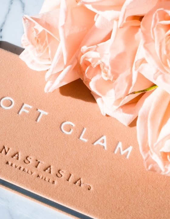 Anastasia Beverly Hills Soft Glam Eyeshadow Palette Review