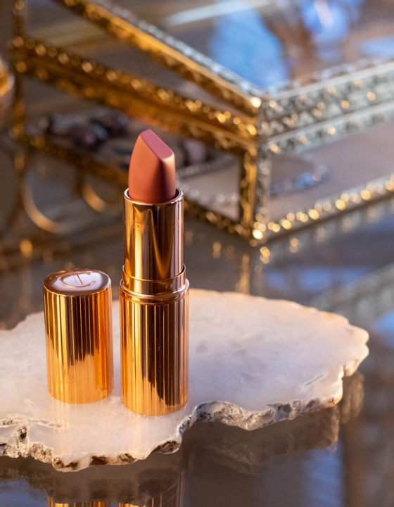 Charlotte Tilbury Pillow Talk Lipstick Review
