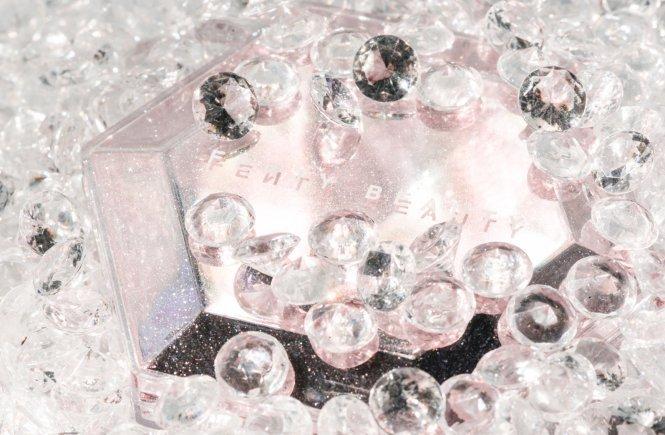 fenty diamond bomb how many carats all over diamond highlighter