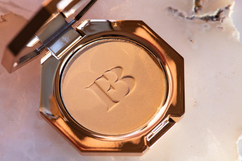 Fenty Beauty by Rihanna Sun Stalk'r Instant Warmth Bronzer in Shady Biz
