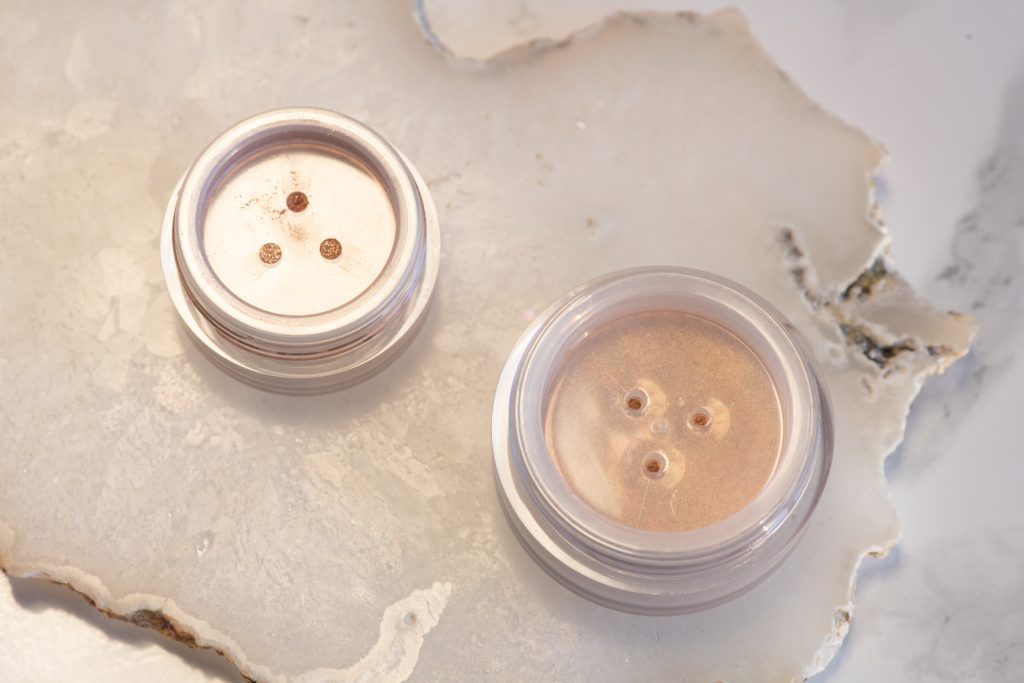 Laura Mercier Translucent Loose Setting Powder Glow in Translucent and Artist Couture Diamond Glow Powder in Conceited