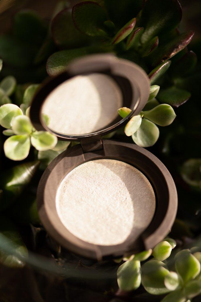 Becca Cosmetics Shimmering Skin Perfector Pressed in Vanilla Quartz